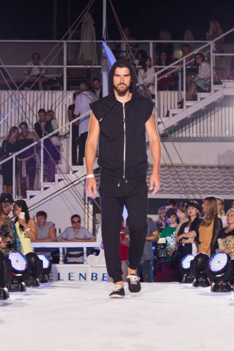 -Fashion-Show-HELENBER-CRUISE21