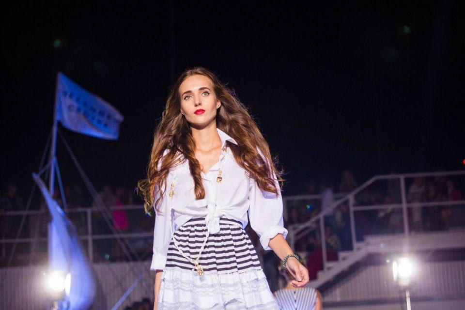 -Fashion-Show-HELENBER-CRUISE25