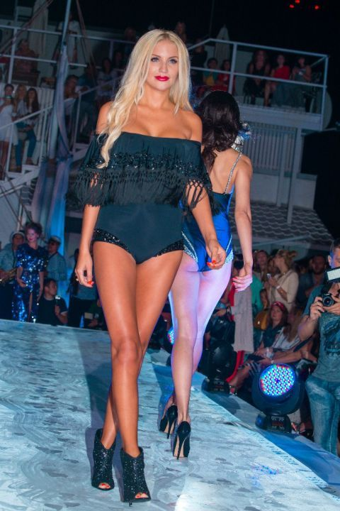 -Fashion-Show-HELENBER-CRUISE83